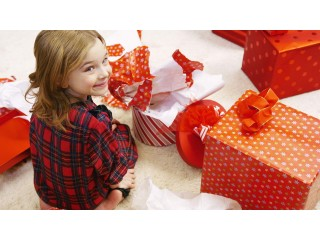 Что подарить девочке на 8 марта? Идеи необычных подарков!