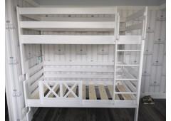 Двухъярусная кровать с высокими бортиками