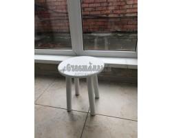Детский стул круглый белого цвета