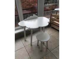Набор стол облачко с бортиком-ограничителем и круглый стул белого цвета
