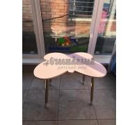 Детский стол бабочка розового цвета с носочками